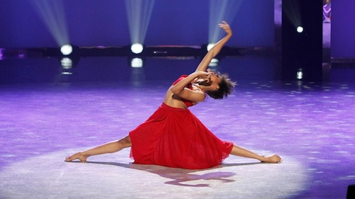 Jasmine performs a solo routine.